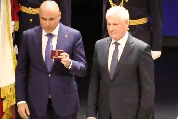 Игорь Артамонов официально вступил в должность губернатора Липецкой области на сцене драматического театра
