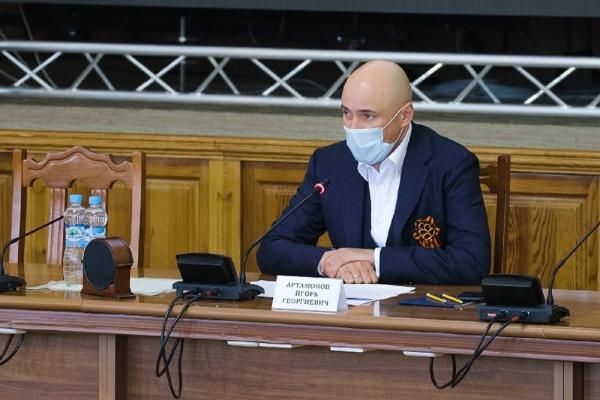 Новая система штрафов и закрытие станции переливания крови ослабили позиции Игоря Артамонова в медиарейтинге