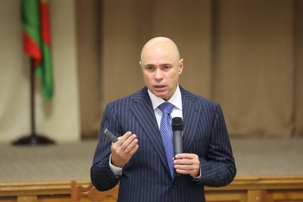 Липецкий губернатор Игорь Артамонов рассказал про местный самогон и «золотую ложку» во рту