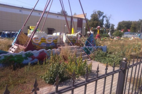На окраине Липецка обнаружили «кладбище» старых аттракционов «Быханова сада»