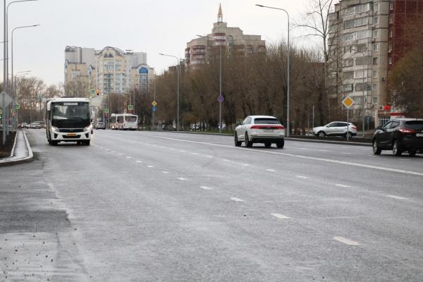 Губернатор Игорь Артамонов впервые прокатился в Липецке на автобусе по обновлённому проспекту Победы
