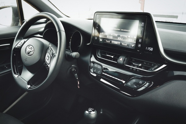 Прокуратуре не удалось через суд отобрать у липецких чиновников Toyota Camry