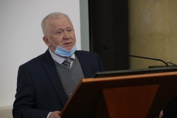 Депутаты не стали препятствовать досрочному уходу главе липецкой КСП Владимира Бербенца