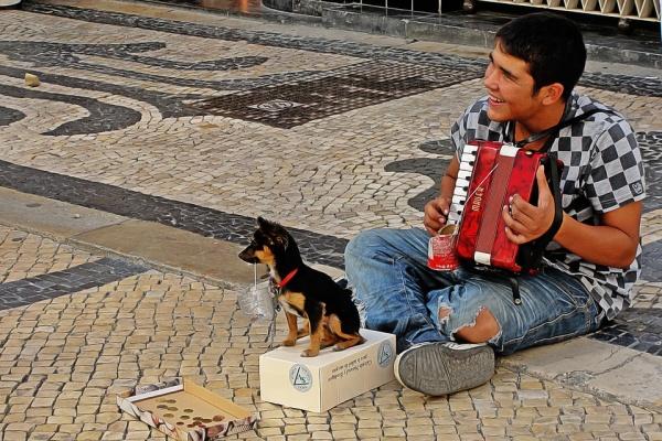 Нехватка средств к существованию не позволяет жителям Липецка заниматься благотворительностью – опрос