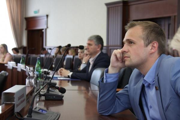 Липецкий депутат озаботился судьбой «уплывающих» из городской казны миллионов