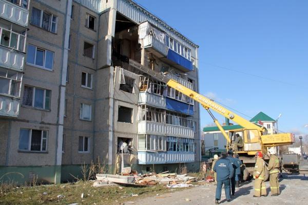 После приезда замминистра строительства и ЖКХ РФ Андрея Чибиса в Данков, пострадавшим от взрыва сразу пообещали новые квартиры