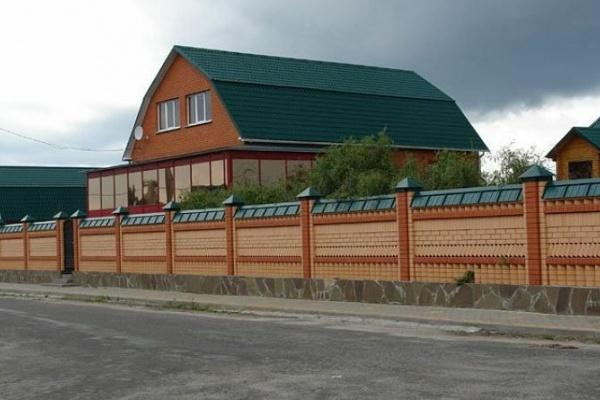 Липецкие чиновники продают скандальный особняк бывшего главы Добровского района Анатолия Глазунова