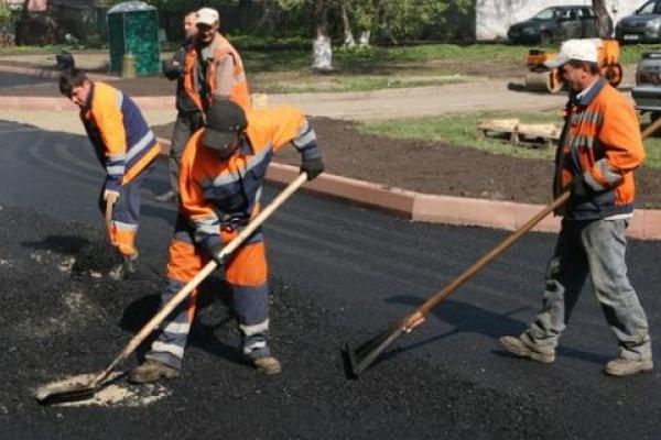 Липецкие власти заключили договор на ремонт дворов с подрядчиком, до этого уже не раз нарушавшим условия контракта