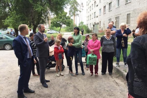 Жители аварийного общежития заблокировали доступ подрядной организации для проведения капремонта