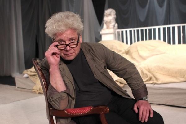 Липецкие власти «перекрыли кислород» режиссеру драматического театра Сергею Бобровскому?
