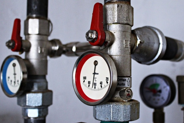 В Липецке по ряду причин остаются без отопления сотни домов
