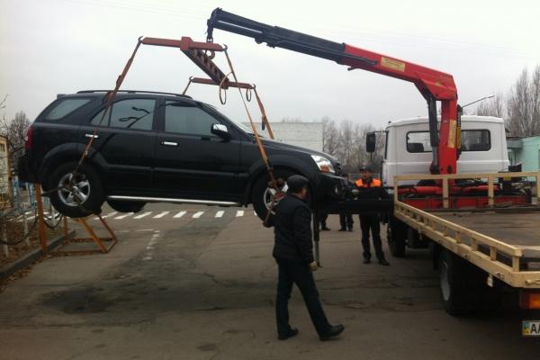 Липецкая прокуратура нашла упущения в работе эвакуаторщиков и полицейских