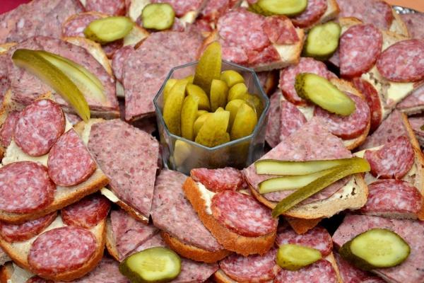 Липецкая ГК «Кузминки» ввела в эксплуатацию новый цех по производству сырокопченых колбас