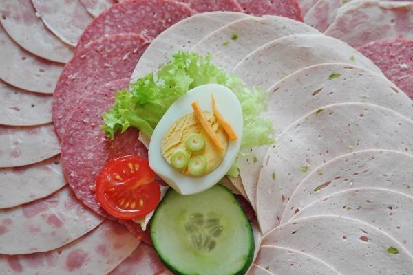 «Елецкий мясокомбинат» добавлял в продукцию лишние ингредиенты