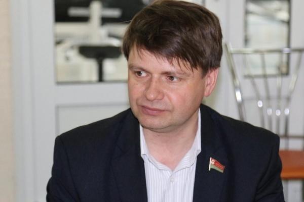Бывший главный коммунальщик Липецкой области Юрий Костин вновь попробует взять мандат в регпарламенте