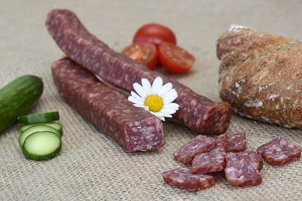 В декабре 2017 года в глубинке Липецкой области запустят производство колбас по «бабушкиным рецептам»