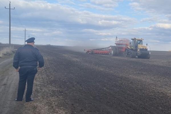 Прокуратура проверяет законность захвата полей в Липецкой области
