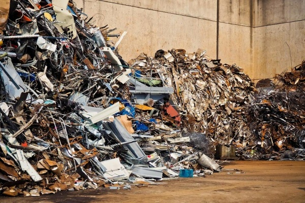 Московские и питерские бизнесмены раскупили имущество липецкого мусороперерабатывающего завода