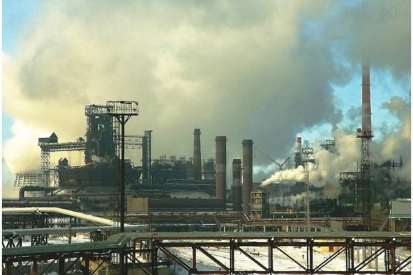 НЛМК к концу 2015 года планирует значительно снизить выбросы пыли в атмосферу