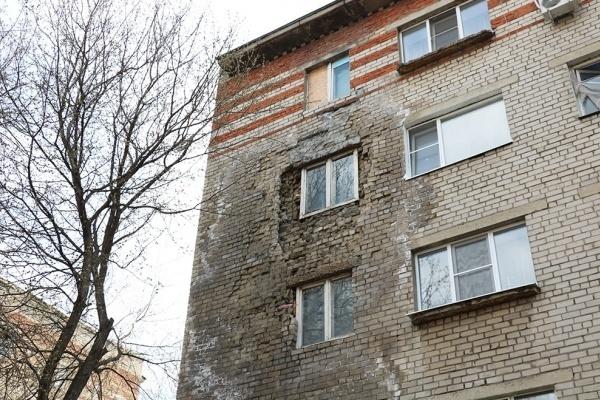 В Липецке жильцы проблемного дома на площади Мира до сих остаются без тепла в квартирах