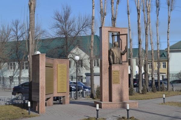 Липецкий скульптор отказался банкротить крупный строительный трест за долги почти в 4 млн рублей