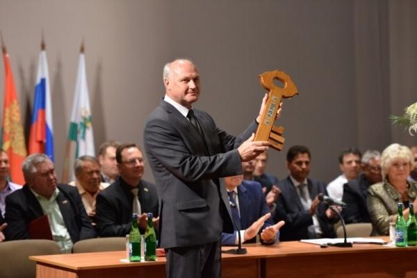Мэру города Ельца Сергею Панову «неудобно» говорить об отставке?