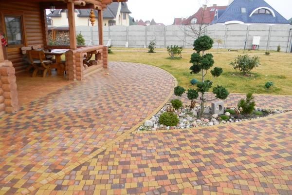В Липецке запустили производство цветной тротуарной плитки