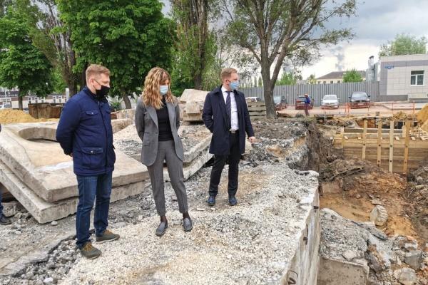 Прокуратура не разделяет желание липецкой мэрии заменить новую плитку на проспекте Победы