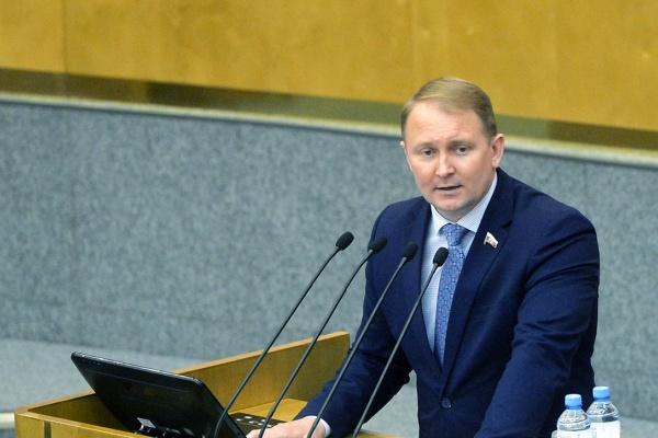 Наряду с Игорем Артамоновым бороться с недобросовестными СМИ призвал и депутат Госдумы Александр Шерин