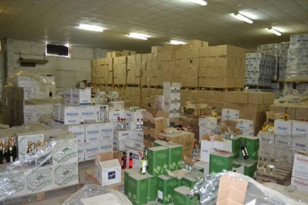 Липецкие полицейские изъяли из оборота более 3,5 тонн контрафактного алкоголя