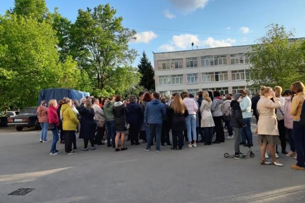 Родители учеников 68 и 42 школ Липецка не одобряют концепцию мэрии по слиянию учреждений