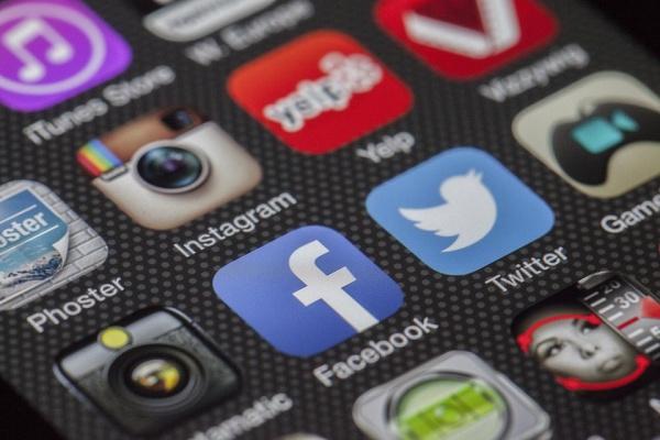 Липецких чиновников обязали отвечать на обращения в соцсетях