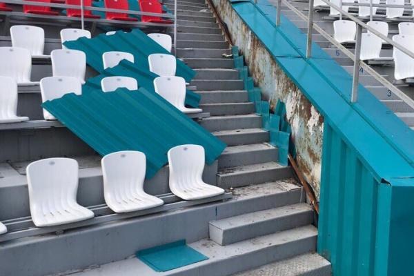 Обновлённый за 200 млн рублей липецкий стадион «Металлург» трещит по швам
