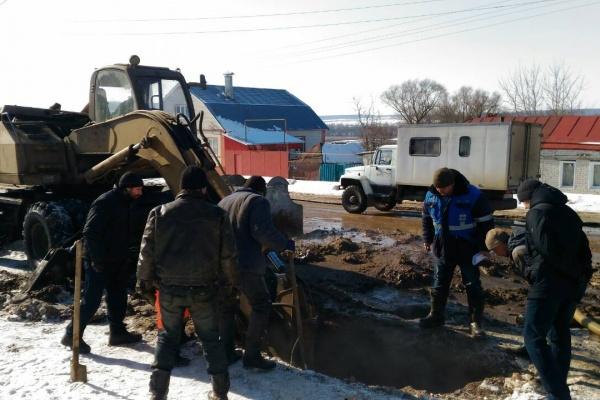 В Становлянском районе Липецкой области решили проблему многолетнего засора в водопроводе рядом с ЦРБ