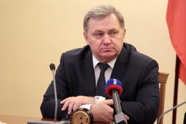 Вице-губернатор Липецкой области Николай Тагинцев почти полностью переписал чужую диссертацию?