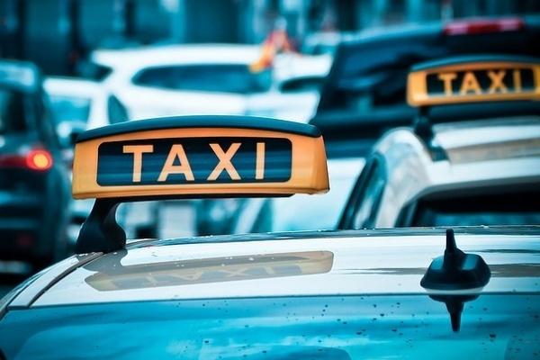 Запущенный в Липецке сервис Яндекс.Такси стартует и в Ельце