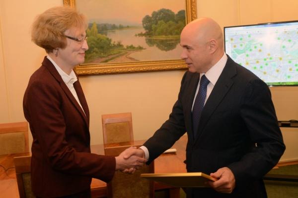 Уже 12 российских врачей «ринулись» в Липецкую область за миллионами губернатора Игоря Артамонова