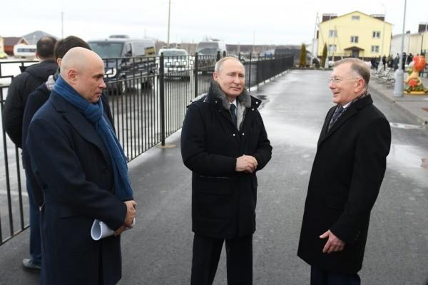 Президент страны Владимир Путин проводит рабочую встречу с общественниками в Усмани Липецкой области