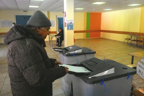 Выборы президента России в Липецкой области посетило 64% избирателей