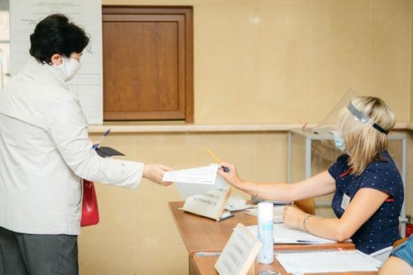 В Липецке не имеющих постоянную прописку отправят голосовать на железнодорожный вокзал
