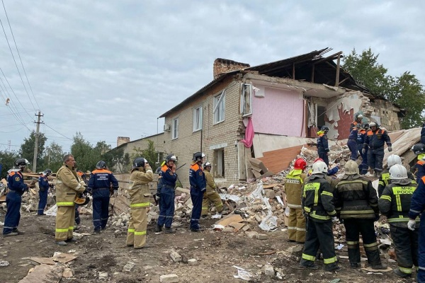 Обрушение жилого дома после взрыва бытового газа под Ельцом вылилось в уголовное дело