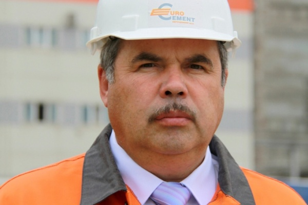 Компания «ЕВРОЦЕМЕНТ груп» поменяла на своей липецкой дочке иностранного руководителя на почетного строителя России