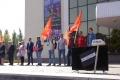 Липецкий коммунист разбил «зомбоящик» молотом «правда» на митинге против пенсионной реформы