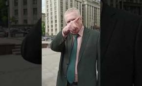 Embedded thumbnail for Владимир Жириновский грозится посадить Олега Королёва и Павла Путилина после того, как въедет в Кремль